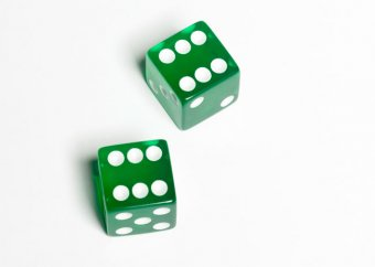 green dice sixes